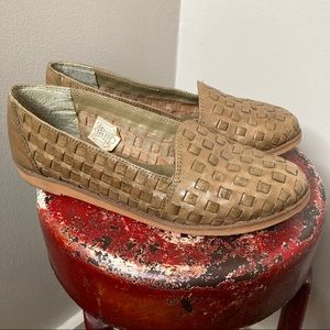 Vintage DePalma Basket Weave Leather Mules